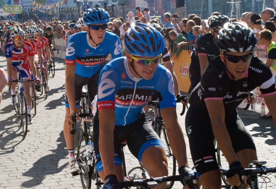 Teams Garmin-Sharp and Rapha Condor