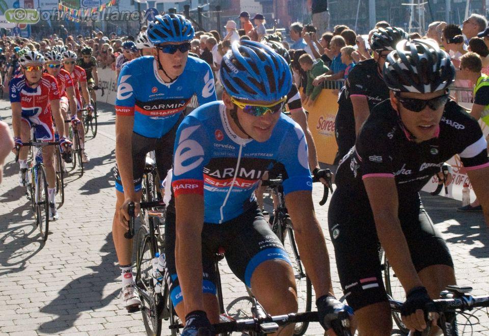 Teams Garmin-Sharp and Rapha Condor
