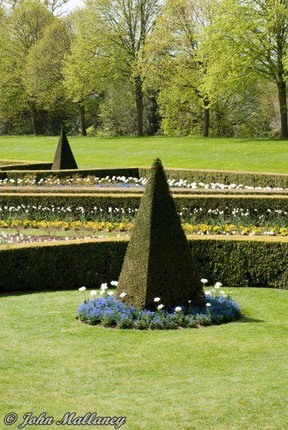 Cliveden Gardens