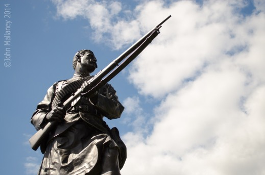 Argyll and Sutherland Highlanders statue