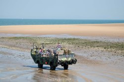 Amphibious landing craft