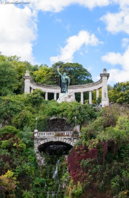 Szt Gellert Statue